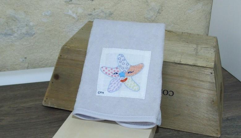 Bavoir pour bébé  www.corinnebernardesboutique.com