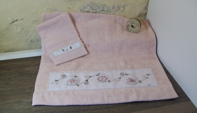 Linge de salle de bain  www.corinnebernardesboutique.com